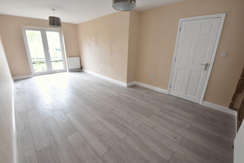 3 bedroom Semi-Detached  to buy in Hollybush Road, Luton - Photo 1
