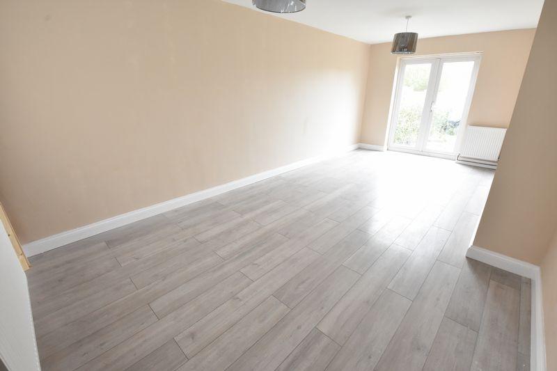 3 bedroom Semi-Detached  to buy in Hollybush Road, Luton - Photo 2