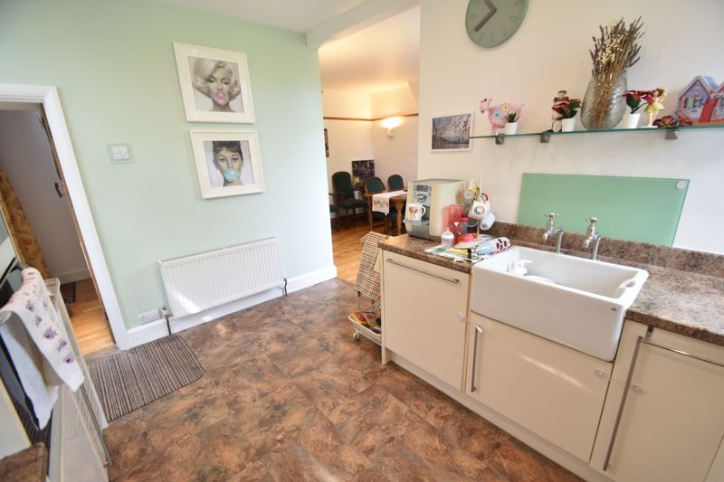 3 bedroom Semi-Detached  to rent in St. Michaels Crescent, Luton - Photo 6