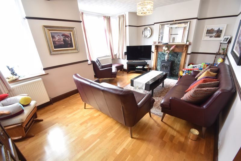 3 bedroom Semi-Detached  to rent in St. Michaels Crescent, Luton - Photo 22