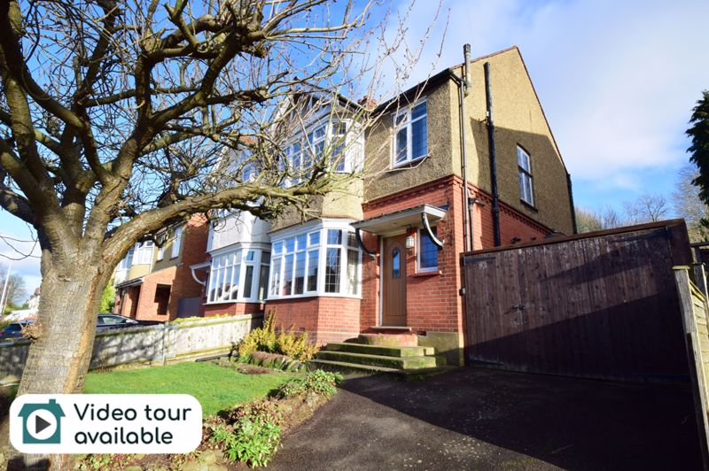 3 bedroom Semi-Detached  to buy in Wardown Crescent, Luton