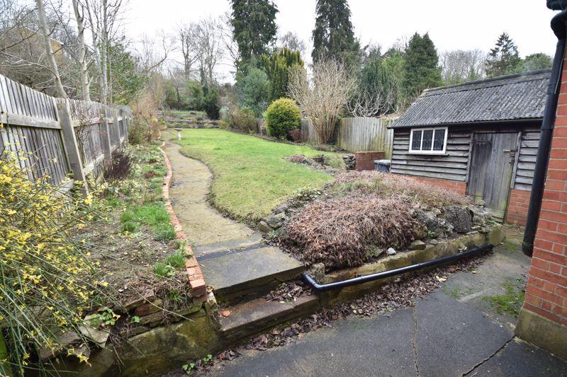 3 bedroom Semi-Detached  to buy in Wardown Crescent, Luton - Photo 10