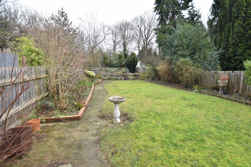 3 bedroom Semi-Detached  to buy in Wardown Crescent, Luton - Photo 11
