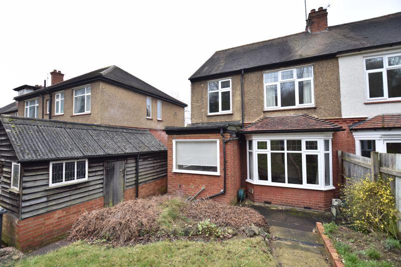 3 bedroom Semi-Detached  to buy in Wardown Crescent, Luton - Photo 14