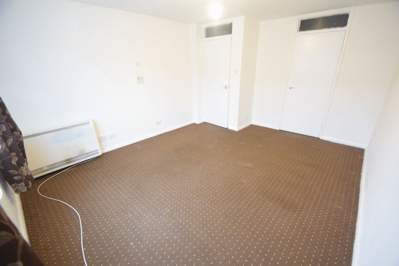 1 bedroom Flat to rent in Hastings Street, Luton - Photo 13