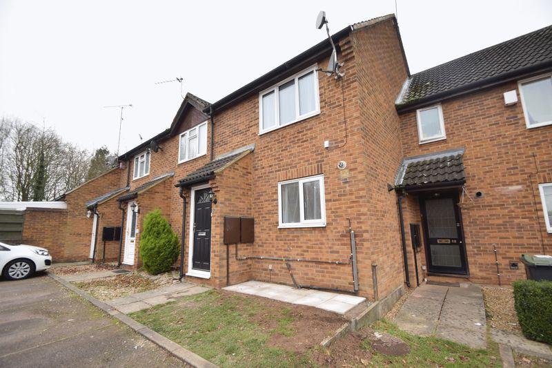 2 bedroom Mid Terrace to rent in Lucas Gardens, Luton