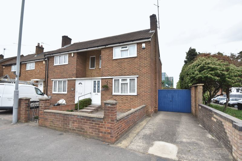 2 bedroom Semi-Detached  to buy in Dallow Road, Luton