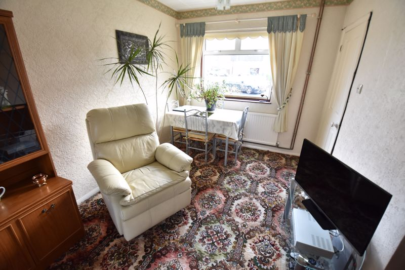 3 bedroom Semi-Detached  to buy in Dewsbury Road, Luton - Photo 5