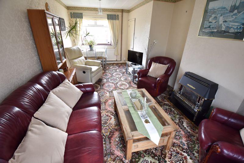 3 bedroom Semi-Detached  to buy in Dewsbury Road, Luton - Photo 6