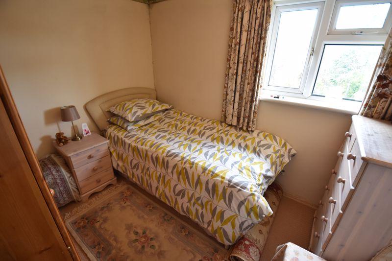 3 bedroom Semi-Detached  to buy in Dewsbury Road, Luton - Photo 12