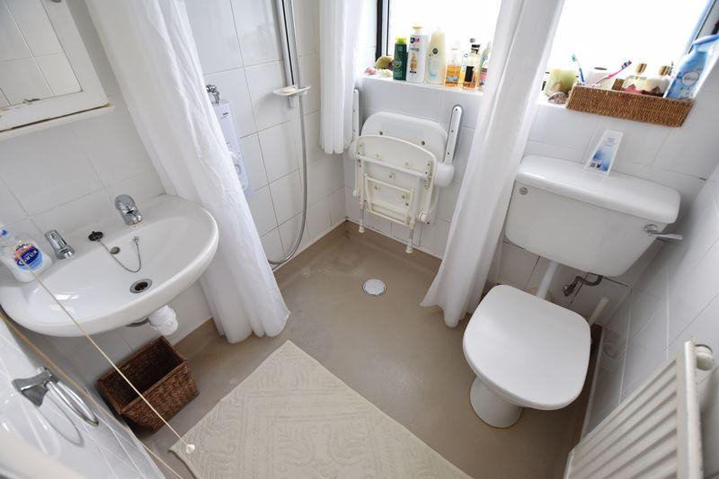 3 bedroom Semi-Detached  to buy in Dewsbury Road, Luton - Photo 13