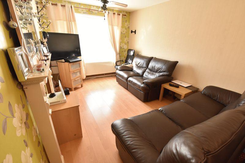 1 bedroom  to buy in Cutenhoe Road, Luton - Photo 1