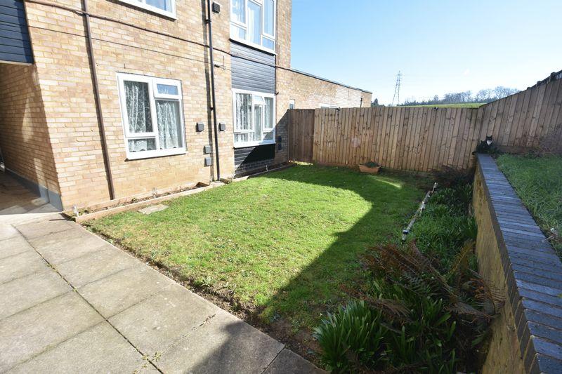 1 bedroom  to buy in Cutenhoe Road, Luton - Photo 6