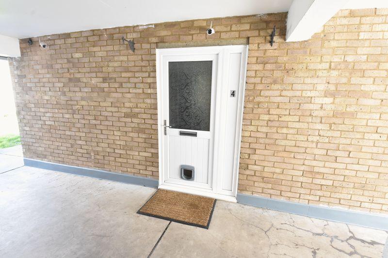 1 bedroom  to buy in Cutenhoe Road, Luton - Photo 7