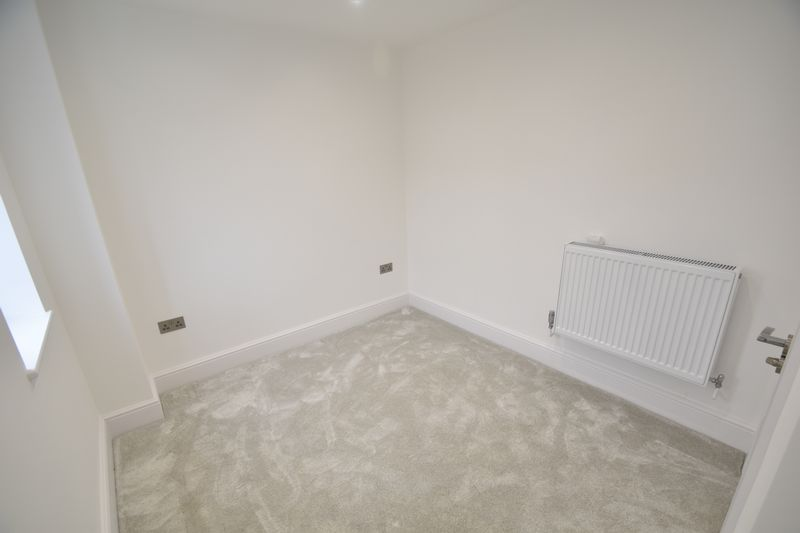 3 bedroom Flat to rent in Napier Road, Luton - Photo 1