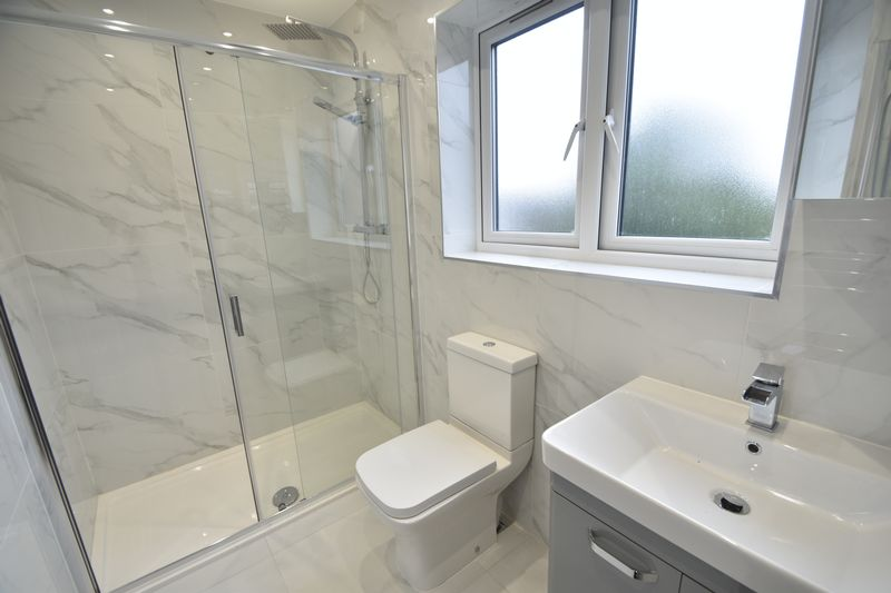 3 bedroom Flat to rent in Napier Road, Luton - Photo 5