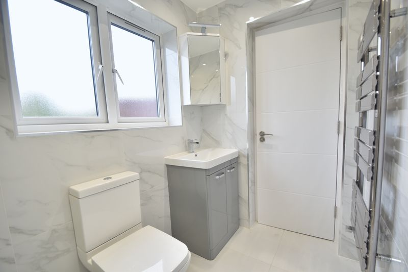 3 bedroom Flat to rent in Napier Road, Luton - Photo 6