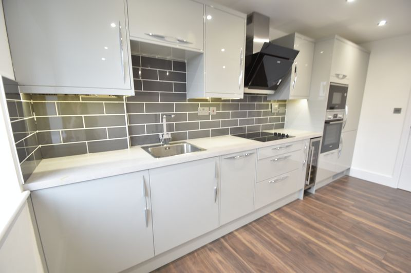 3 bedroom Flat to rent in Napier Road, Luton - Photo 10