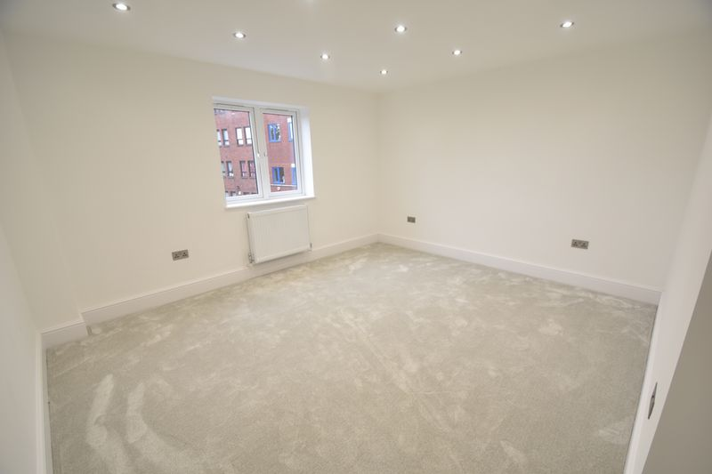 3 bedroom Flat to rent in Napier Road, Luton - Photo 12