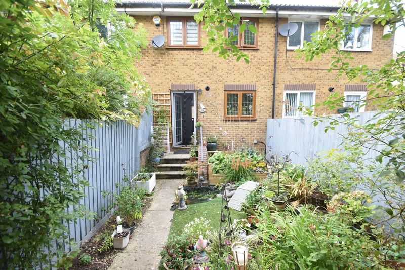 2 bedroom  to buy in Whitwell Close, Luton - Photo 16