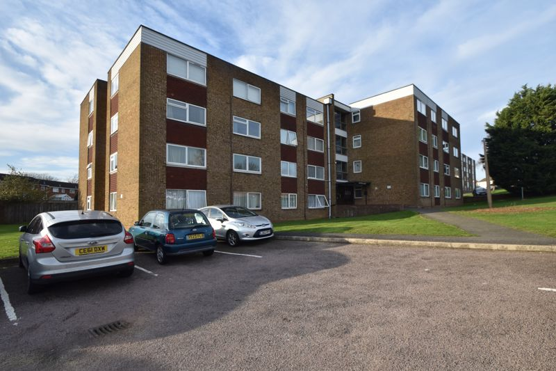 2 bedroom Apartment / Studio to buy in , Luton