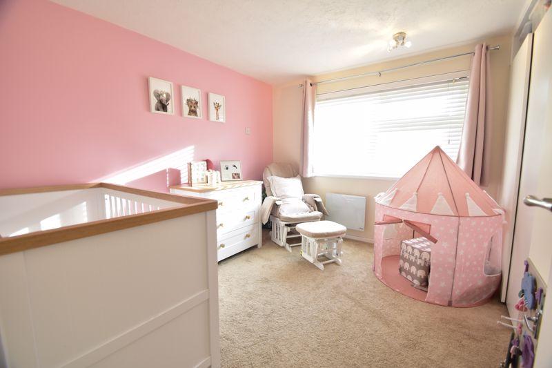2 bedroom Apartment / Studio to buy in , Luton - Photo 2