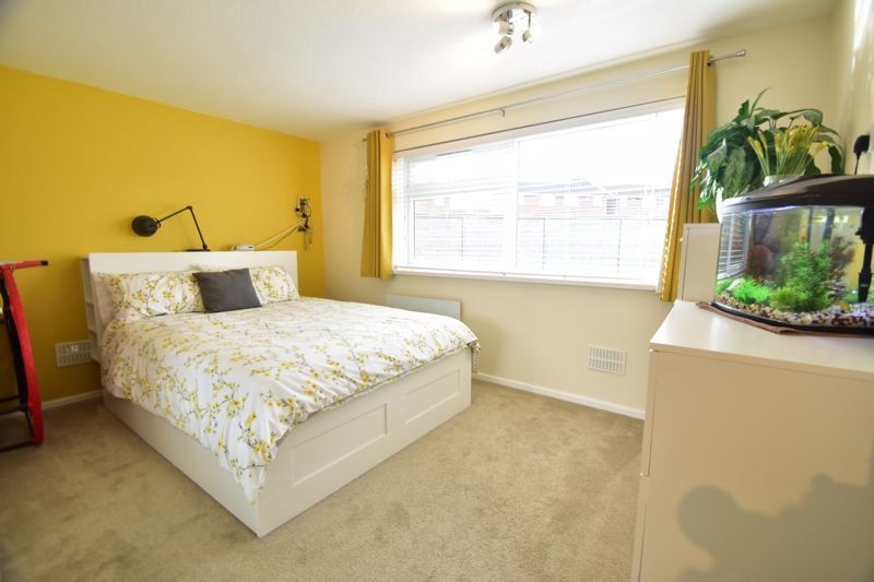 2 bedroom Apartment / Studio to buy in , Luton - Photo 3