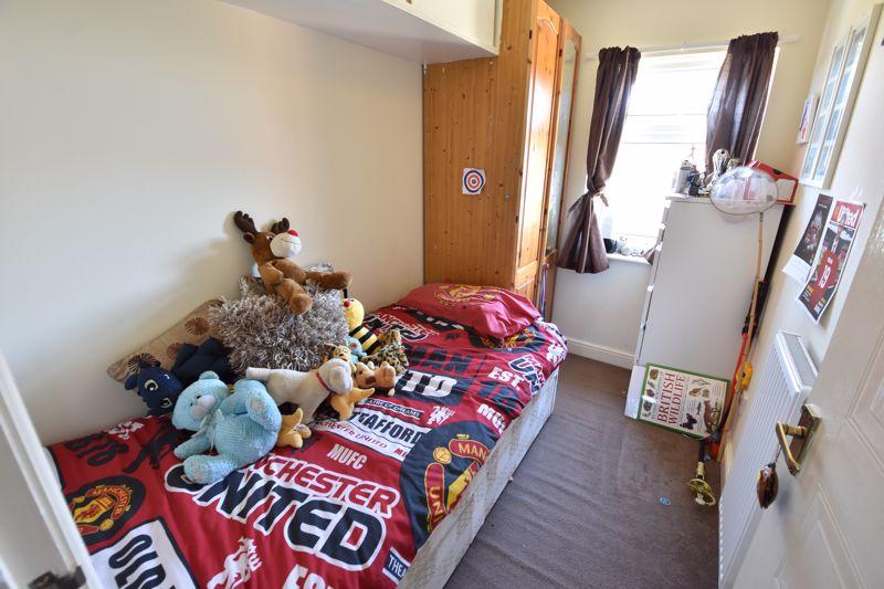 3 bedroom  to buy in Lorimer Close, Luton - Photo 16