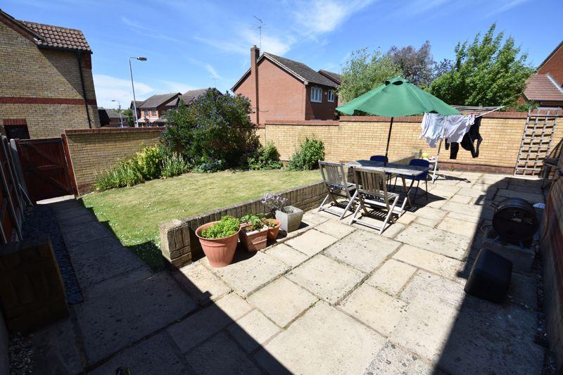 3 bedroom  to buy in Lorimer Close, Luton - Photo 19