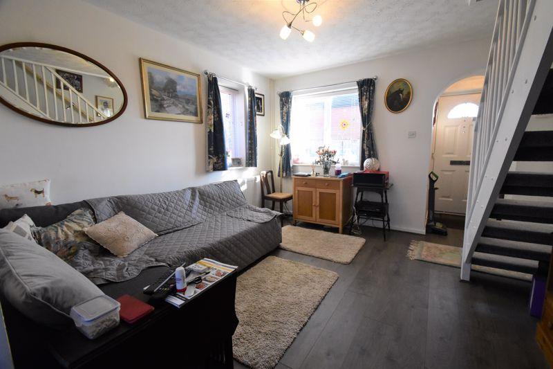 1 bedroom End Terrace to buy in Elveden Close, Luton - Photo 1