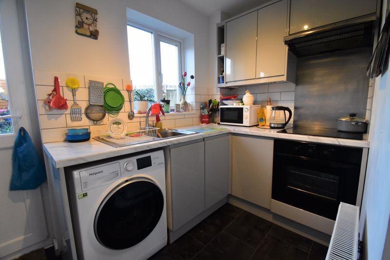 1 bedroom End Terrace to buy in Elveden Close, Luton - Photo 3