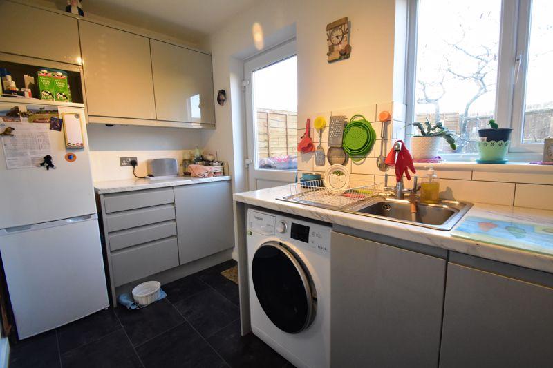1 bedroom End Terrace to buy in Elveden Close, Luton - Photo 4