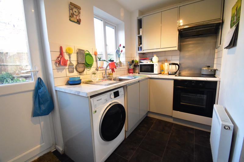 1 bedroom End Terrace to buy in Elveden Close, Luton - Photo 5