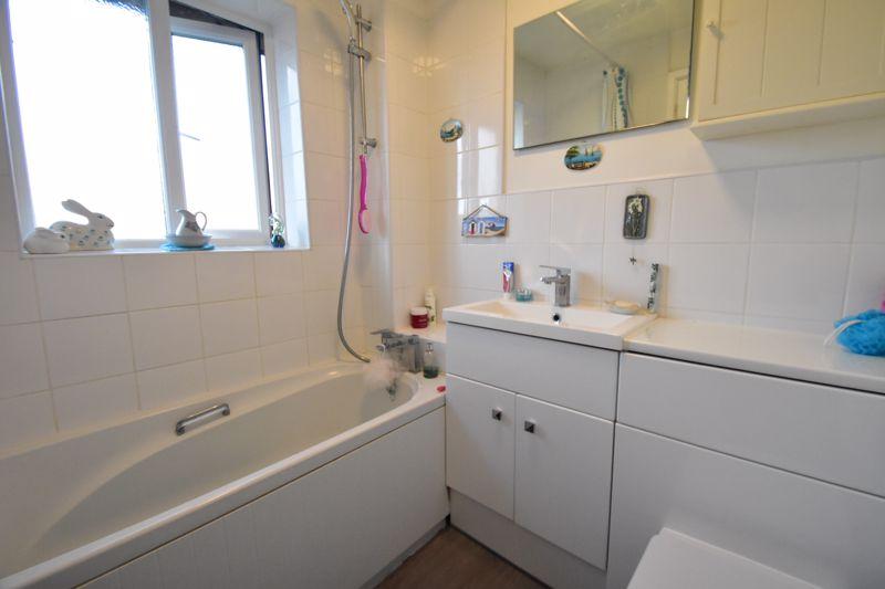 1 bedroom End Terrace to buy in Elveden Close, Luton - Photo 9