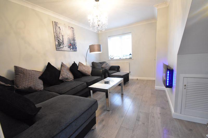 2 bedroom Mid Terrace to buy in Furze Close, Luton - Photo 1