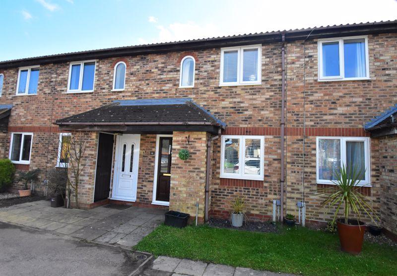 2 bedroom Mid Terrace to buy in Furze Close, Luton