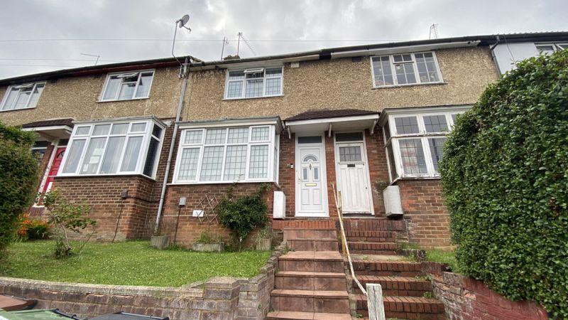 2 bedroom Mid Terrace to buy in Pomfret Avenue, Luton
