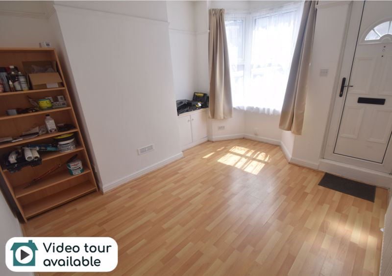 3 bedroom Mid Terrace to rent in Russell Rise, Luton
