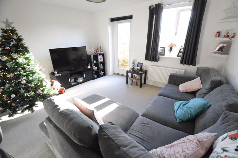 2 bedroom End Terrace to buy in Dray Gardens, Luton - Photo 9