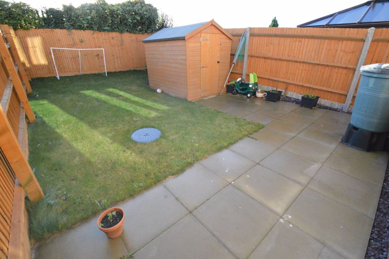 2 bedroom End Terrace to buy in Dray Gardens, Luton - Photo 15
