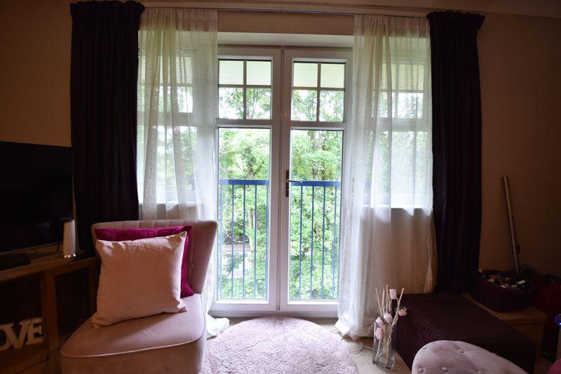 1 bedroom  to buy in Barons Court, Earls Meade, Luton - Photo 4