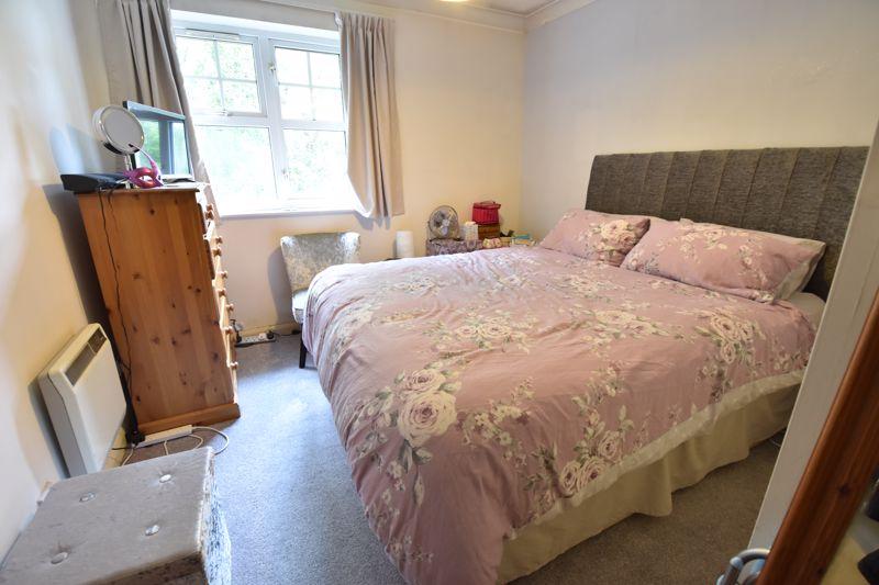 1 bedroom  to buy in Barons Court, Earls Meade, Luton - Photo 8