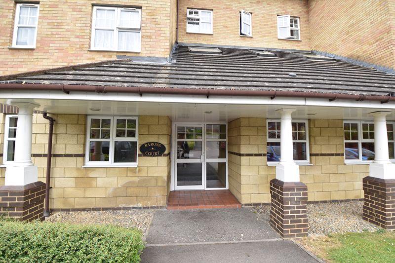 1 bedroom  to buy in Barons Court, Earls Meade, Luton - Photo 10