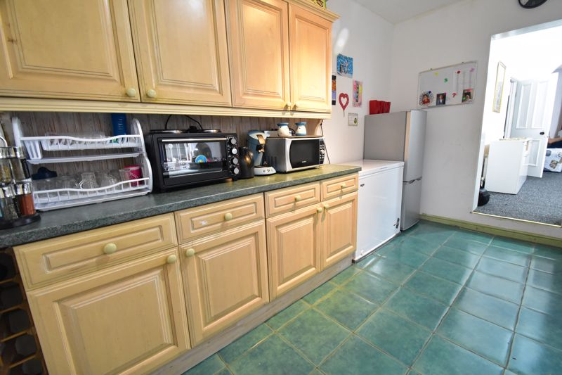 3 bedroom Mid Terrace to buy in Arthur Street, Luton - Photo 15