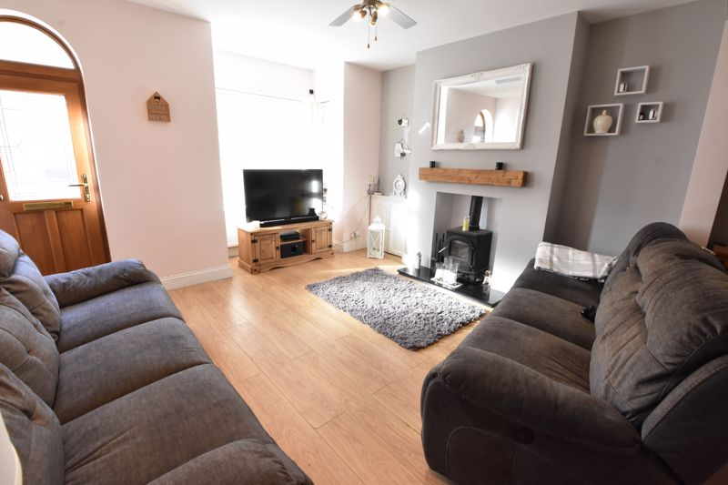 3 bedroom Mid Terrace to rent in Alfred Street, Dunstable - Photo 5