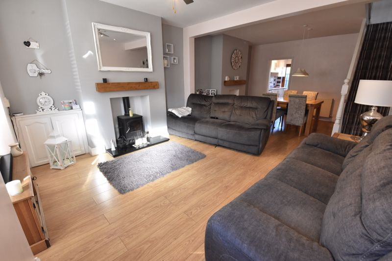 3 bedroom Mid Terrace to rent in Alfred Street, Dunstable - Photo 6