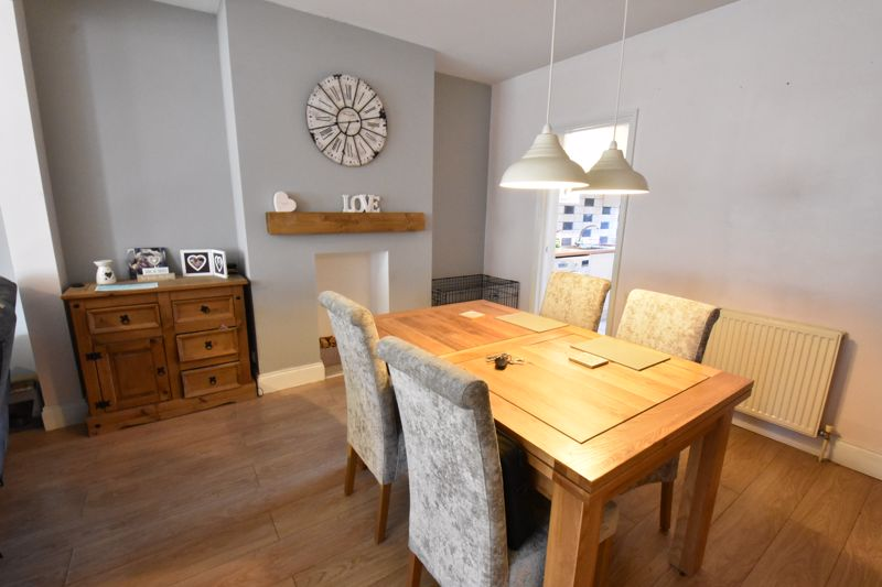 3 bedroom Mid Terrace to rent in Alfred Street, Dunstable - Photo 11