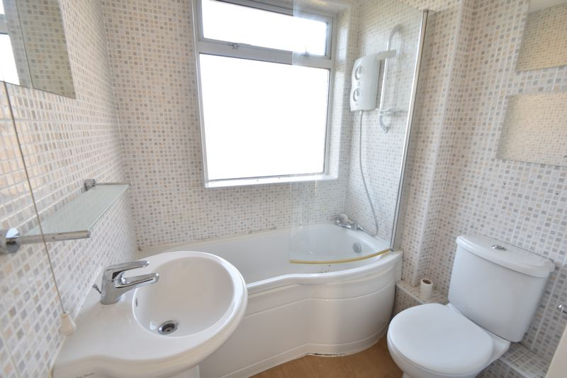3 bedroom Semi-Detached  to rent in Fourth Avenue, Luton - Photo 15