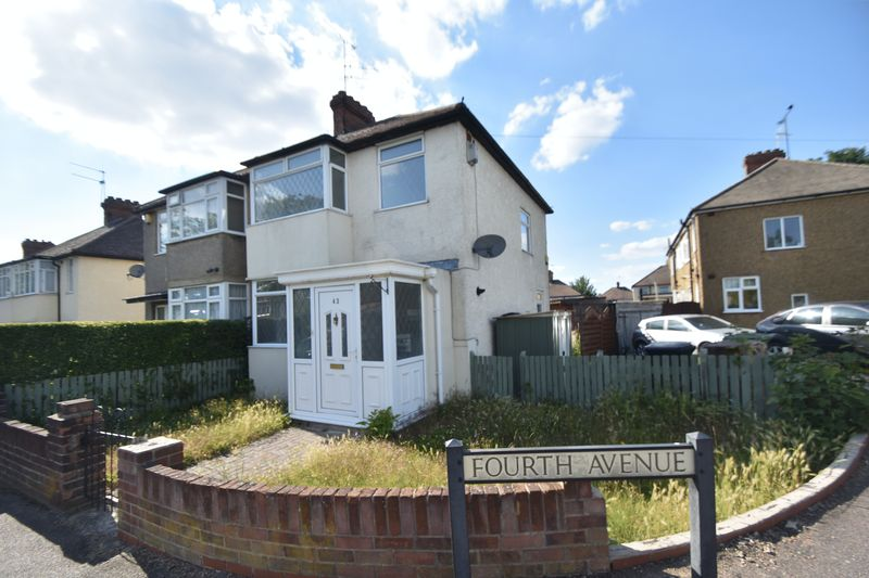 3 bedroom Semi-Detached  to rent in Fourth Avenue, Luton - Photo 8