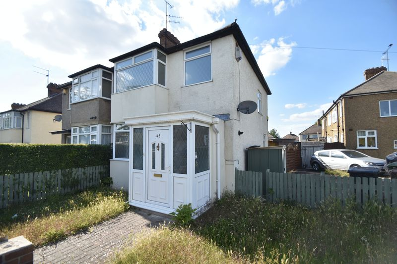3 bedroom Semi-Detached  to rent in Fourth Avenue, Luton - Photo 9